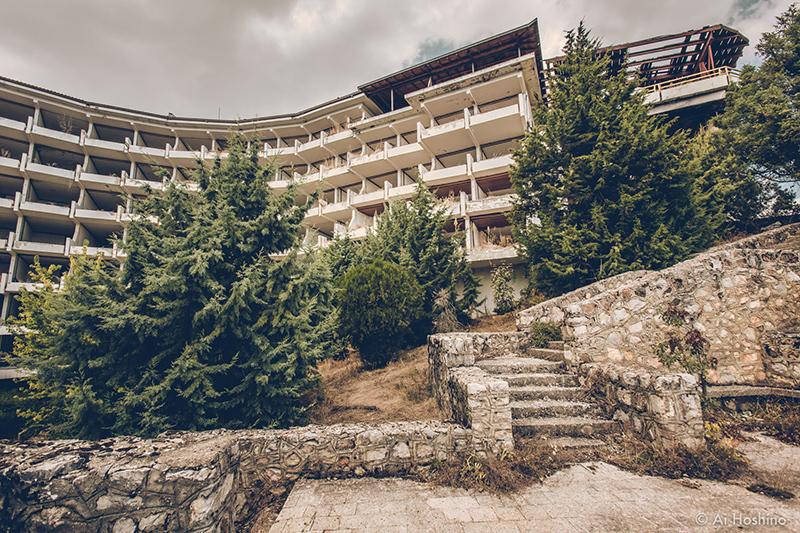 20210530_Macedonia_spomenik_abandonedHotel-10.jpg