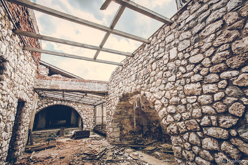 20210530_Macedonia_spomenik_abandonedHotel-12.jpg
