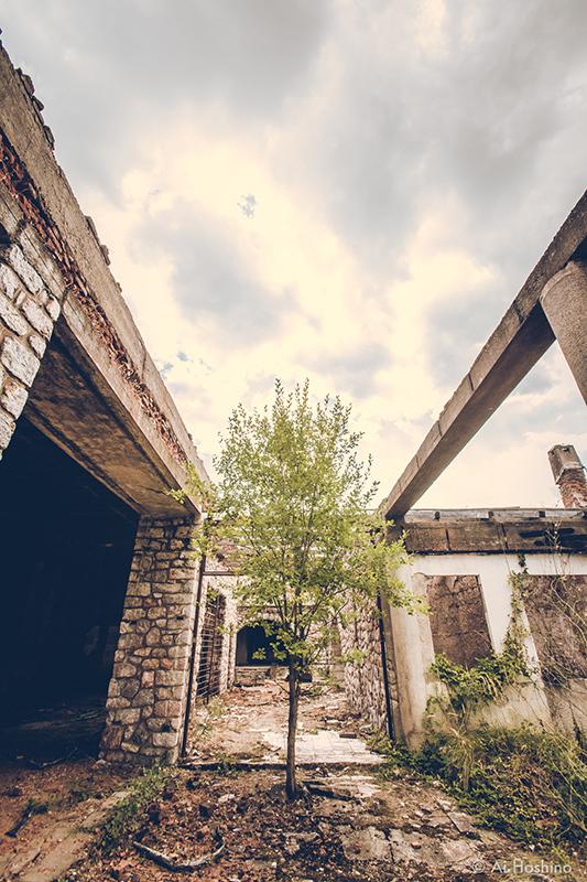 20210530_Macedonia_spomenik_abandonedHotel-13.jpg