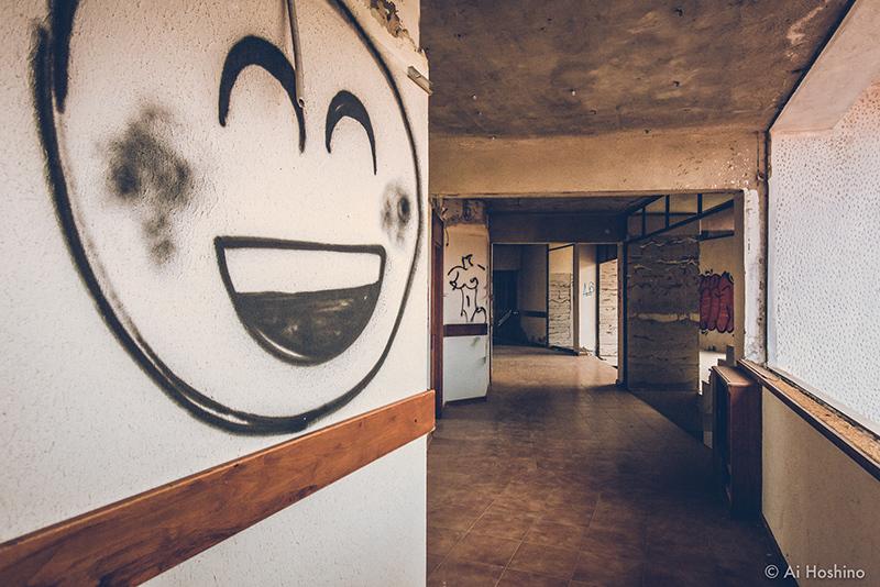 20210530_Macedonia_spomenik_abandonedHotel-15.jpg