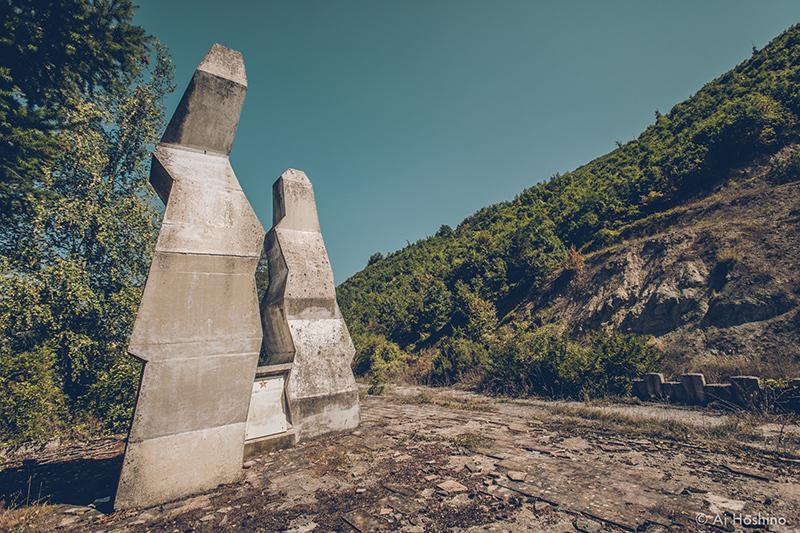 20210530_Macedonia_spomenik_abandonedHotel-3.jpg