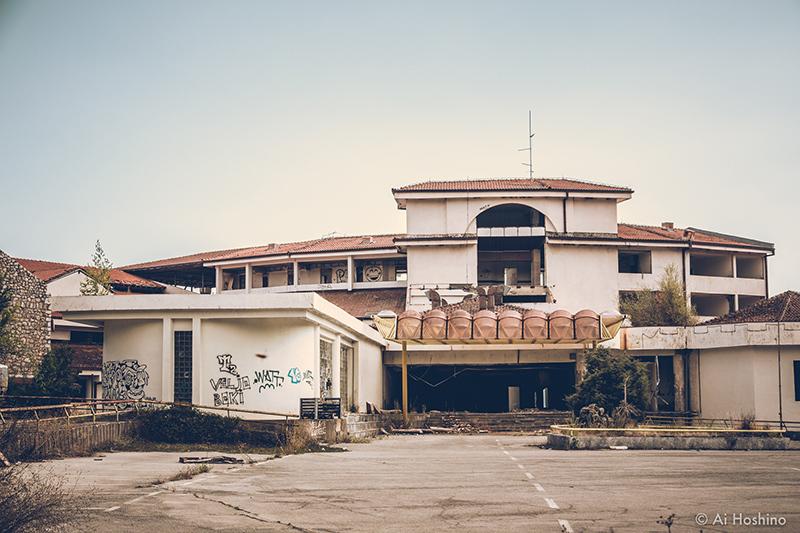 20210530_Macedonia_spomenik_abandonedHotel-7.jpg