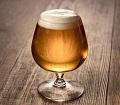 飲み物-ブランデーグラスのビール