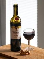 飲み物-ボトルとコルクとワイン