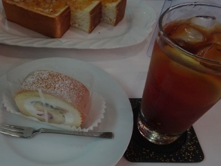 フルーツロールケーキ (2)