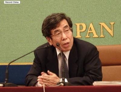 平成28年(2016年)2月15日、公正取引委員会の杉本和行委員長が日本記者クラブで会見を行った。