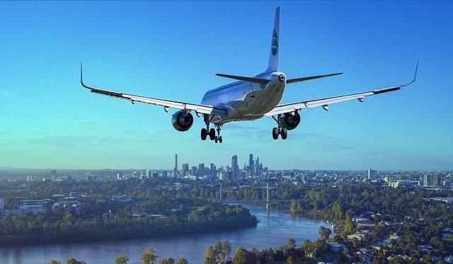 aircraft-3702676_640.jpg