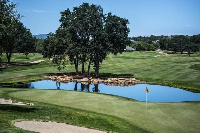 golf-course-828978_640.jpg