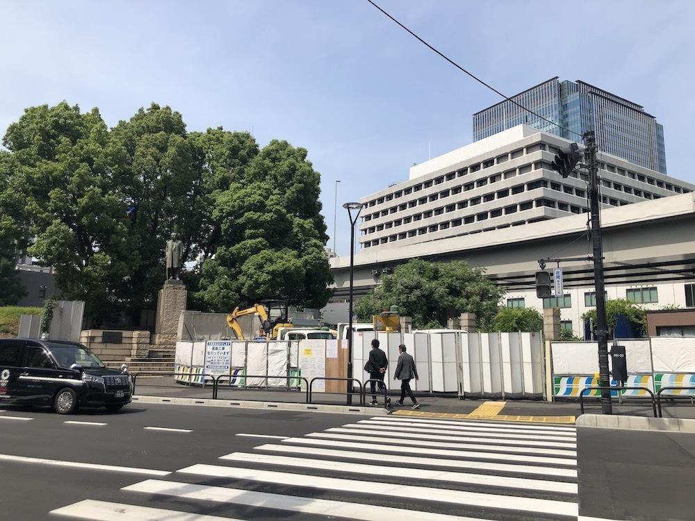 常盤橋公園と渋沢栄一像