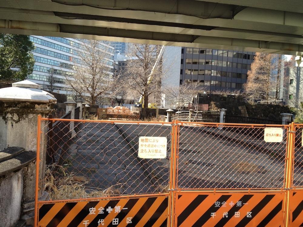 閉鎖中の常磐橋