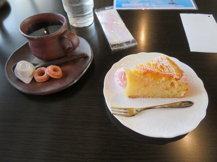 ケーキと珈琲