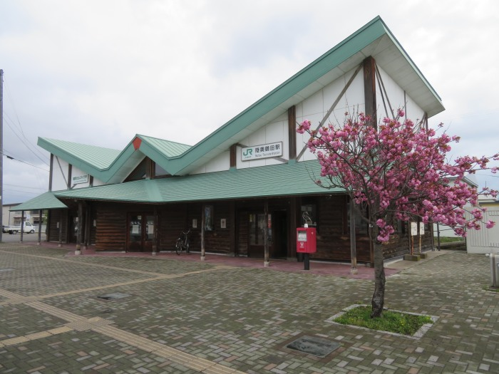 陸奥鶴田駅 駅舎