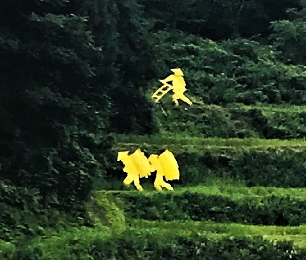 まつだい_農業をしている人黄色