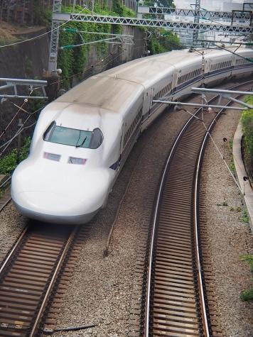 東海道新幹線 700系 C42編成【御殿山の跨線橋】