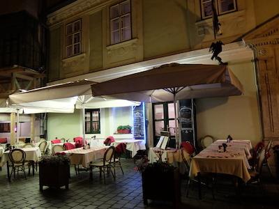 トルコ_中欧312ハンガリー料理レストラン