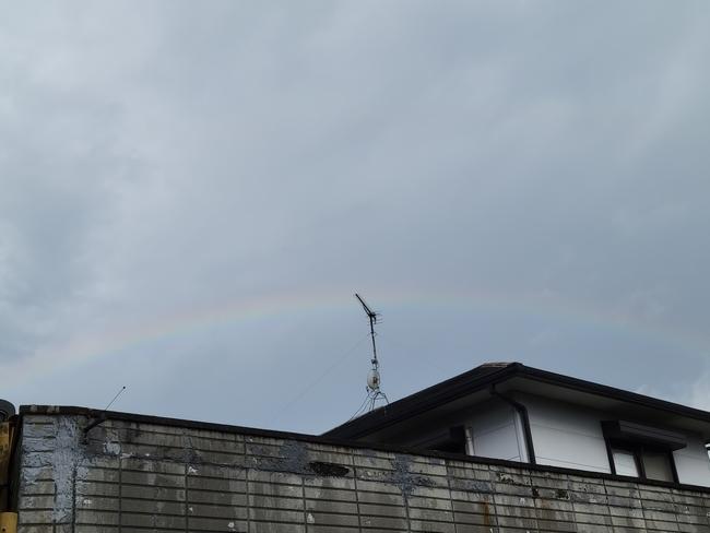 054アーム型虹