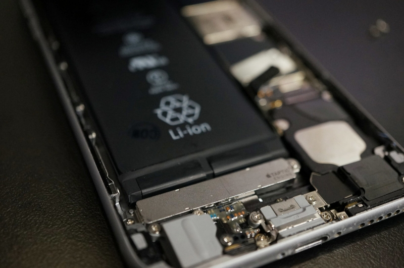 iPhone_Battery_Replace_014.jpg