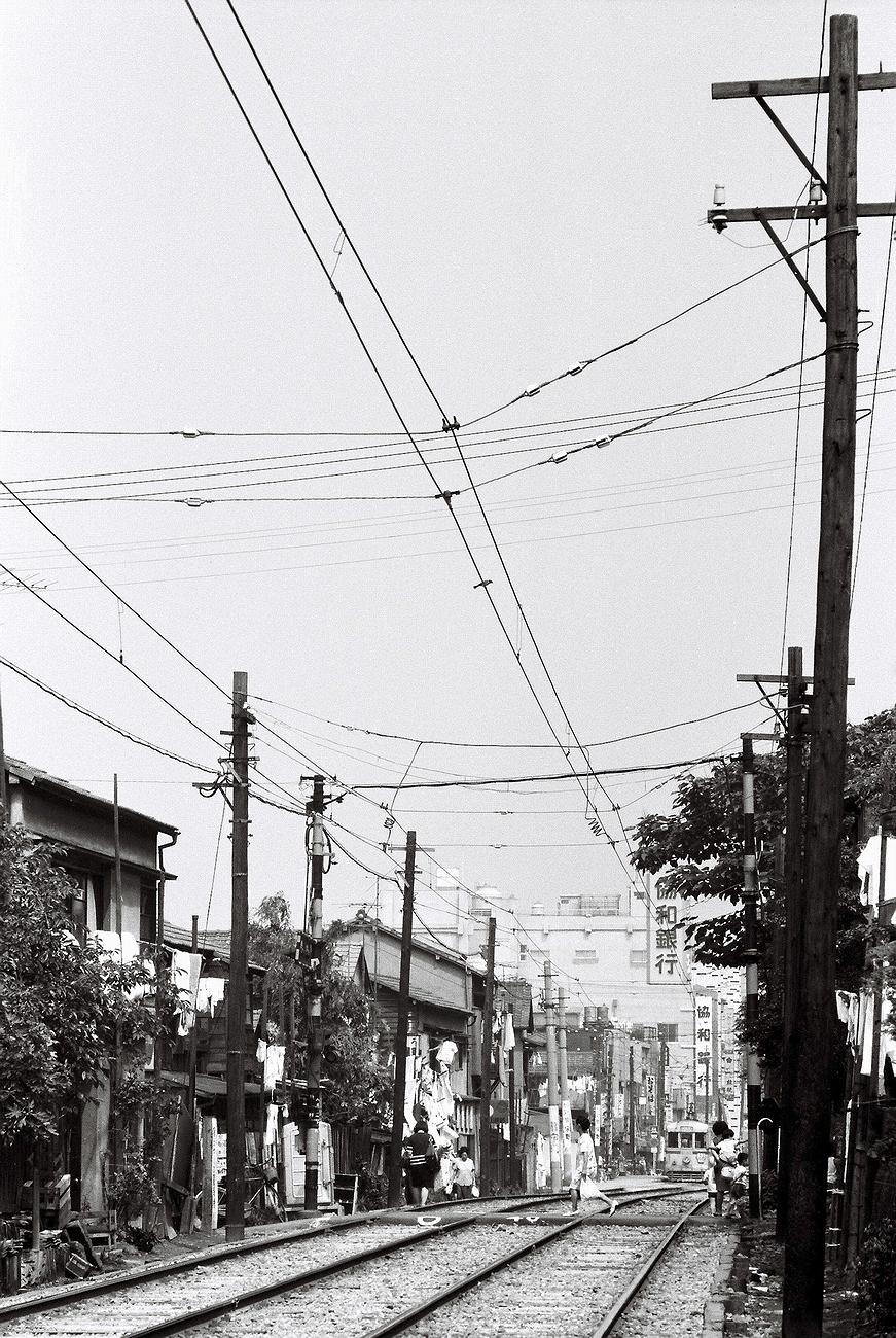 040-004aksf.jpg