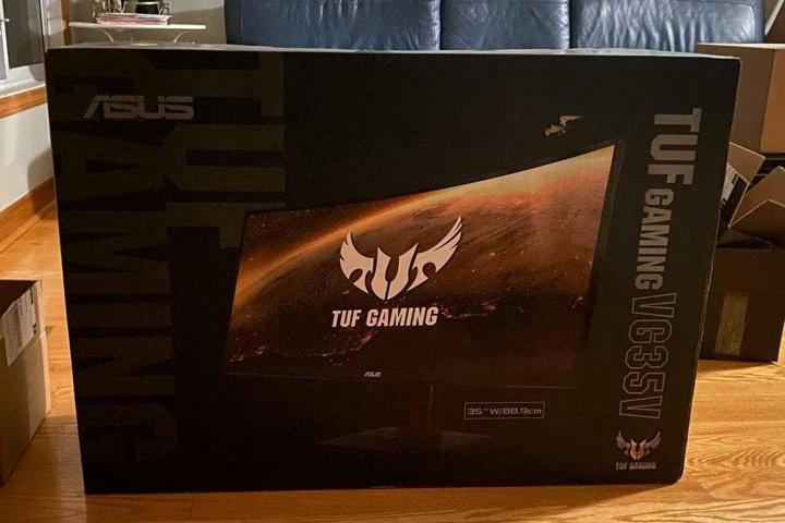 ASUS_TUF_Gaming_VG35VQ_01.jpg