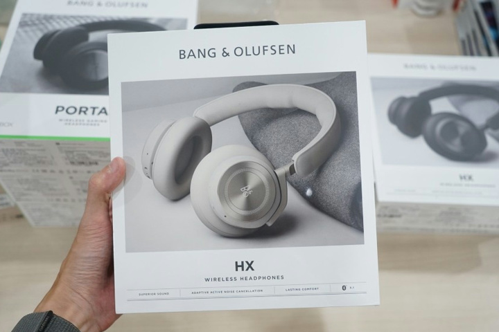 Bang_and_Olufsen_Beoplay_HX_01.jpg