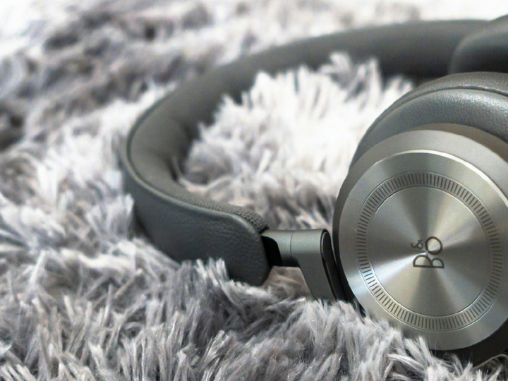 Bang_and_Olufsen_Beoplay_HX_06.jpg
