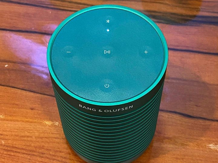 Bang_and_Olufsen_Beosound_Explore_06.jpg