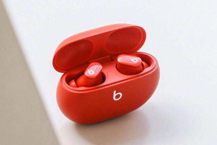 Beats_Studio_Buds_03.jpg