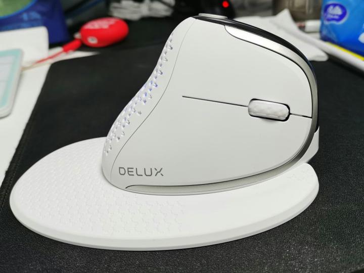 Delux_SEEKER_M618XSD_05.jpg