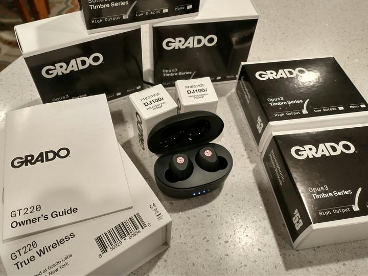 GRADO_GT220_08.jpg