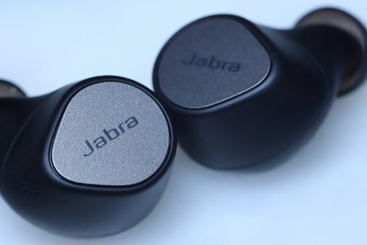 Jabra_Elite_7_Pro_04.jpg