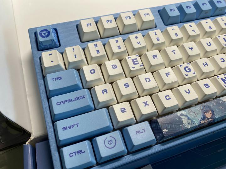 LEGION_Varmilo_Mechanical_Keyboard_03.jpg