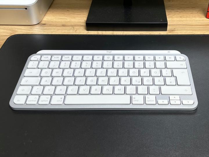 Logitech_MX_Keys_Mini_for_Mac_02.jpg