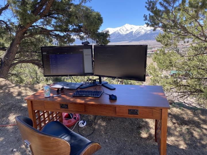 Show_Your_PC_Desk_Part225_100.jpg