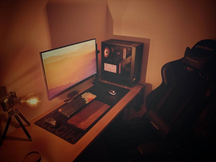 Show_Your_PC_Desk_Part225_18.jpg