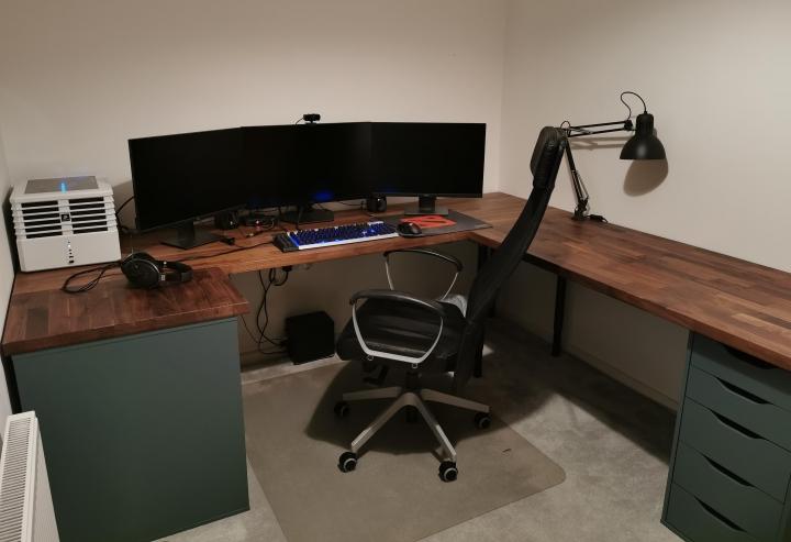 Show_Your_PC_Desk_Part225_20.jpg