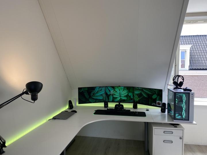 Show_Your_PC_Desk_Part225_82.jpg