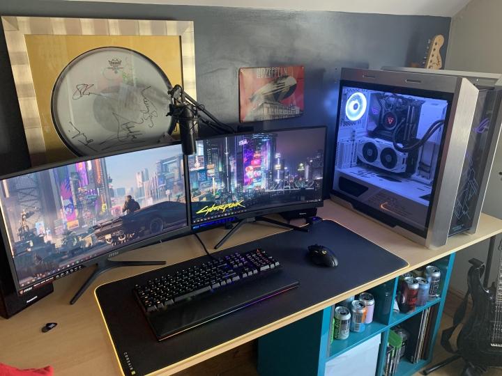 Show_Your_PC_Desk_Part226_02.jpg