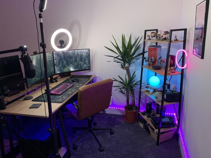 Show_Your_PC_Desk_Part226_04.jpg