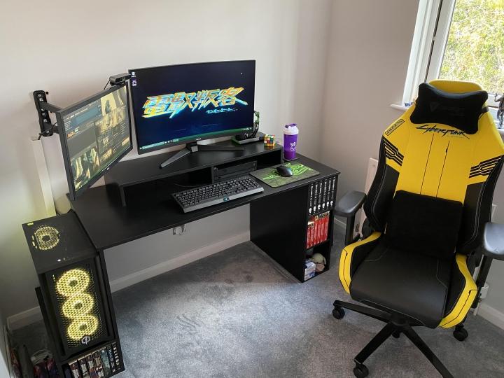 Show_Your_PC_Desk_Part226_06.jpg