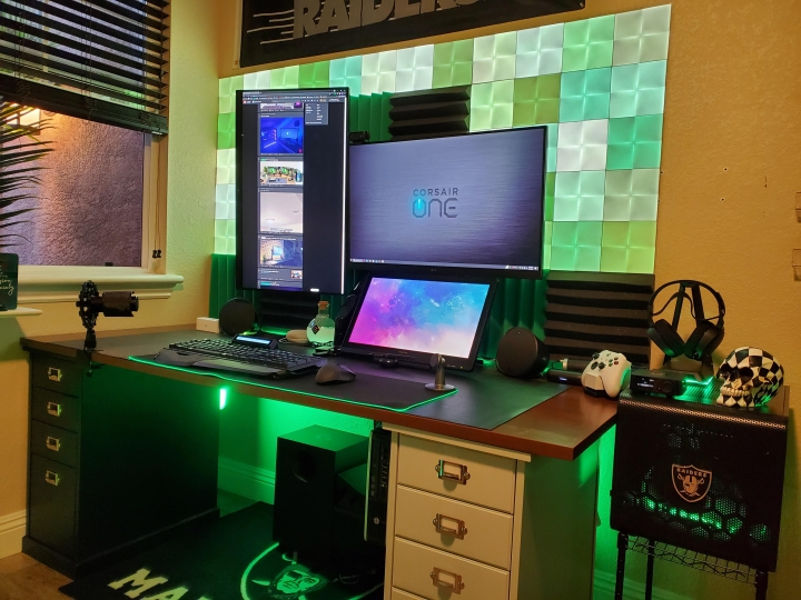 Show_Your_PC_Desk_Part226_11.jpg