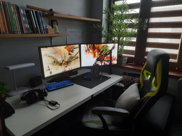 Show_Your_PC_Desk_Part226_40.jpg