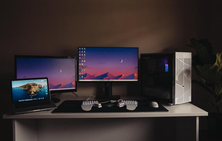 Show_Your_PC_Desk_Part226_54.jpg