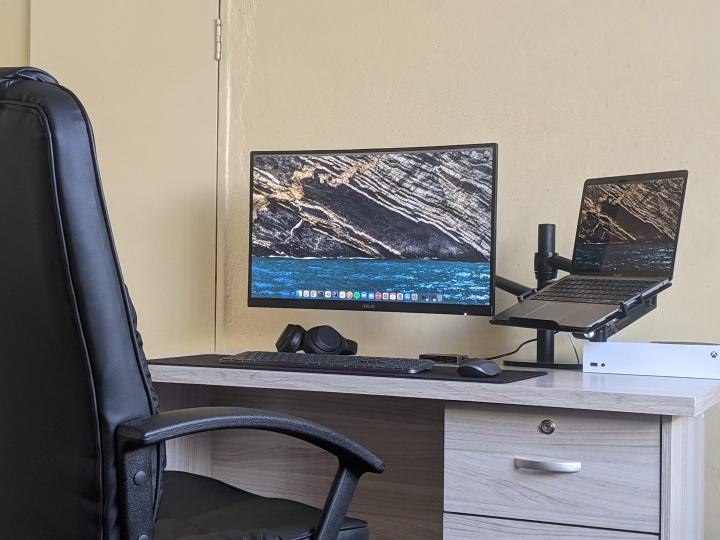 Show_Your_PC_Desk_Part226_63.jpg