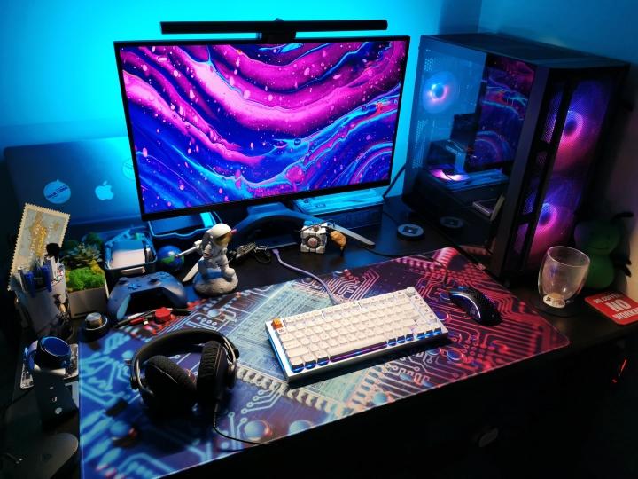 Show_Your_PC_Desk_Part226_81.jpg