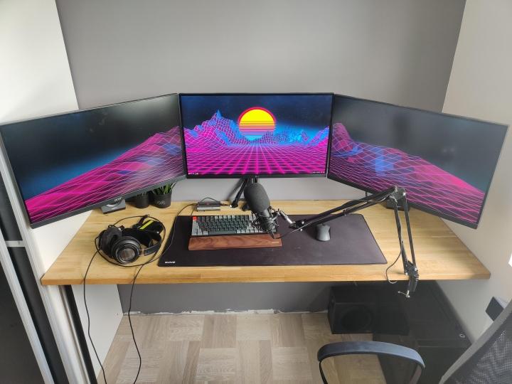 Show_Your_PC_Desk_Part227_18.jpg