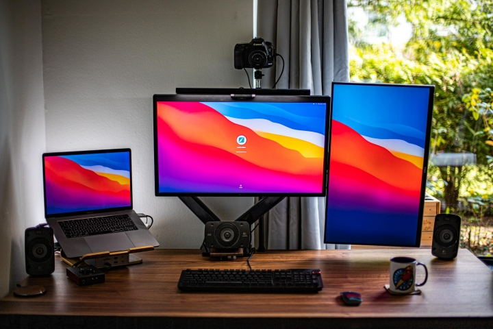 Show_Your_PC_Desk_Part228_02.jpg