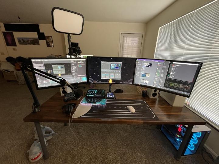 Show_Your_PC_Desk_Part228_24.jpg
