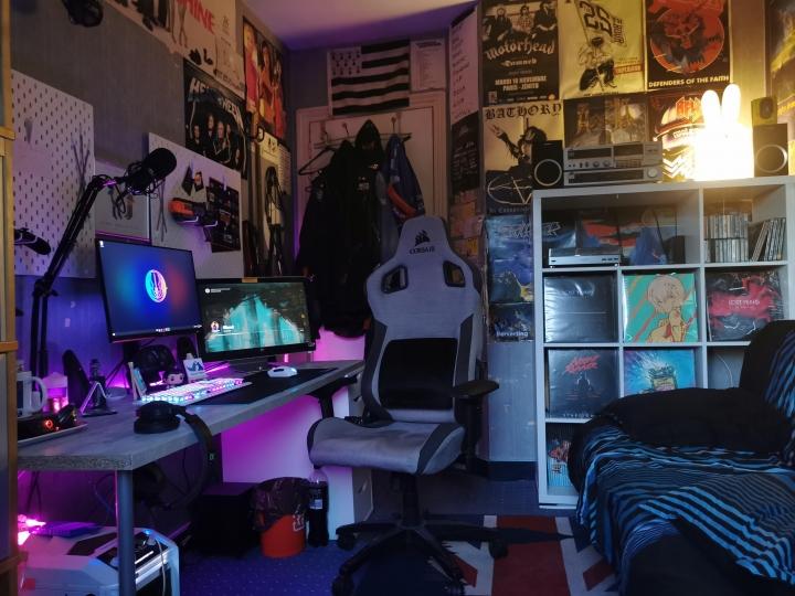Show_Your_PC_Desk_Part228_43.jpg