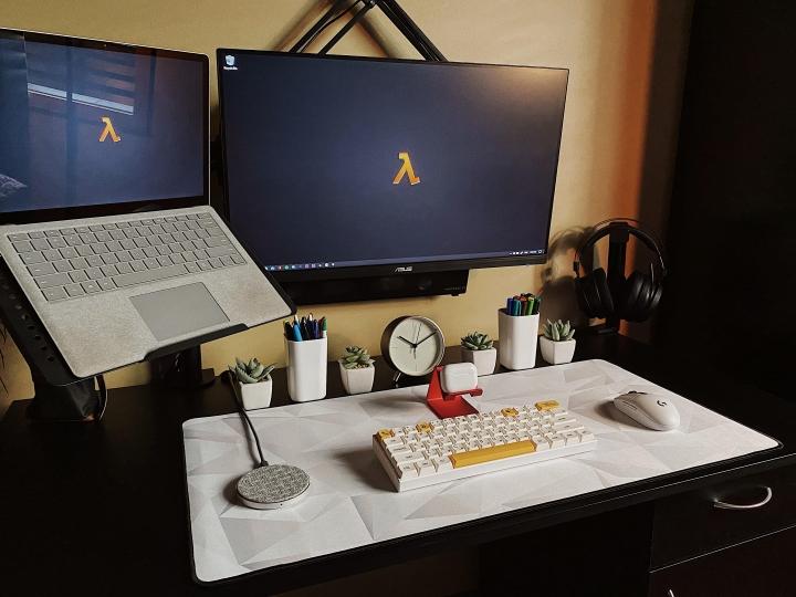 Show_Your_PC_Desk_Part228_48.jpg