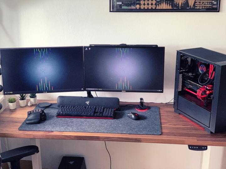 Show_Your_PC_Desk_Part228_73.jpg